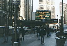 vor dem Madison Square Garden